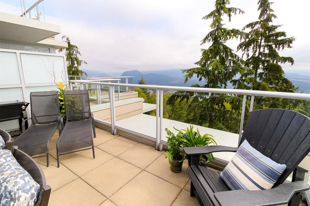Condo Apartment at 809 9266 UNIVERSITY CRESCENT, Unit 809, Burnaby North, British Columbia. Image 10