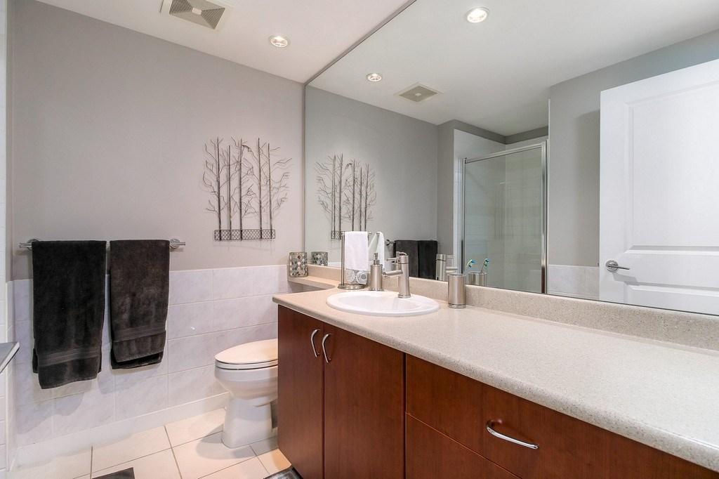 Condo Apartment at 809 9266 UNIVERSITY CRESCENT, Unit 809, Burnaby North, British Columbia. Image 18