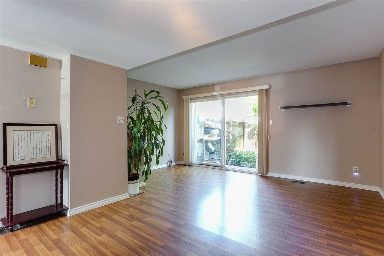 Townhouse at 6760 ARLINGTON STREET, Vancouver East, British Columbia. Image 4