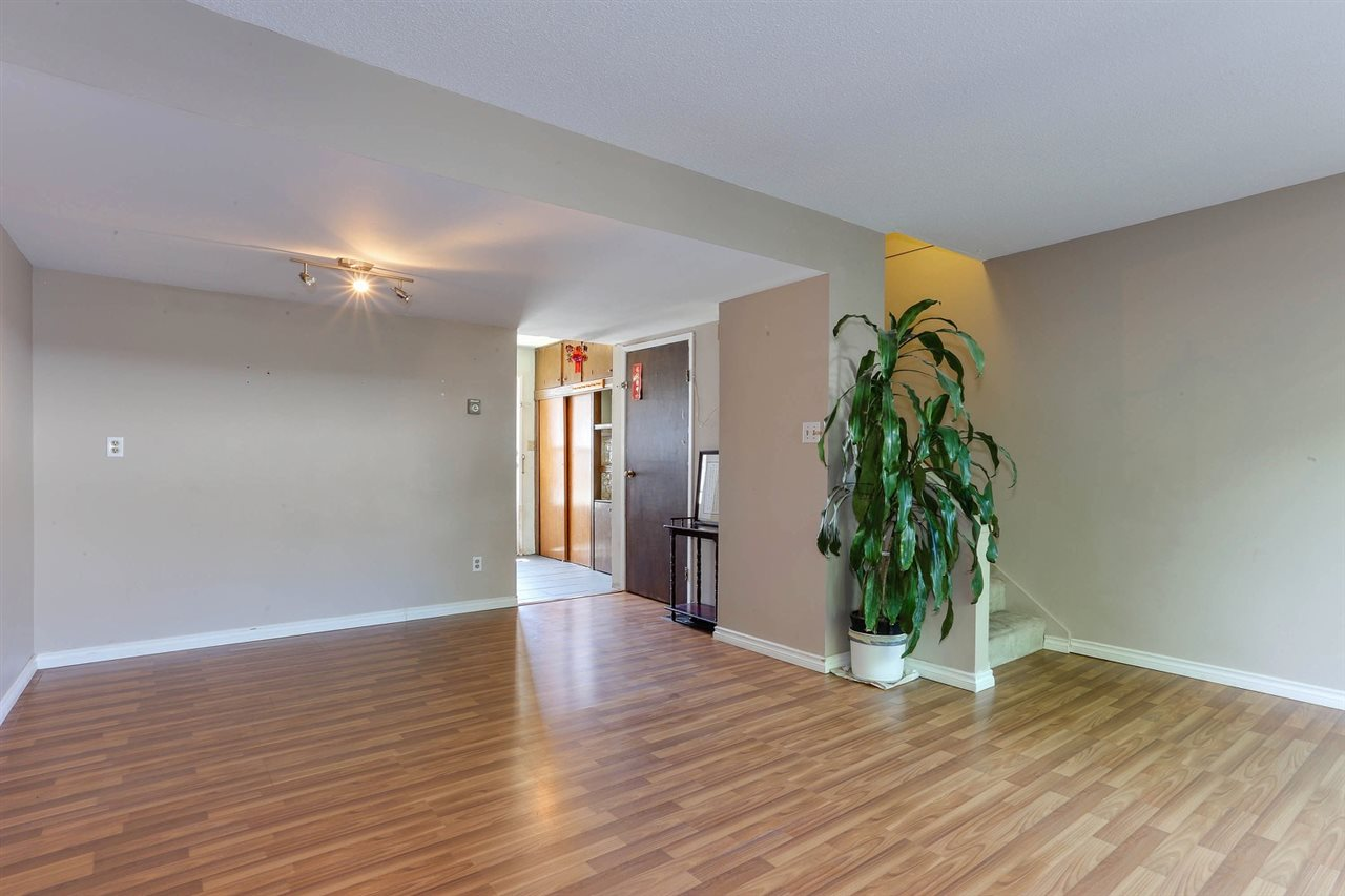 Townhouse at 6760 ARLINGTON STREET, Vancouver East, British Columbia. Image 6