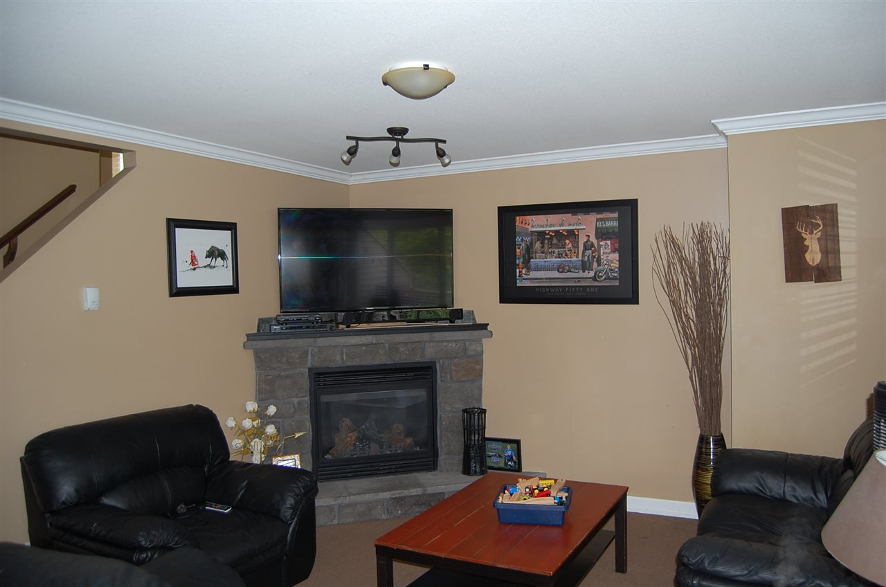 Townhouse at 10 46778 HUDSON ROAD, Unit 10, Sardis, British Columbia. Image 2