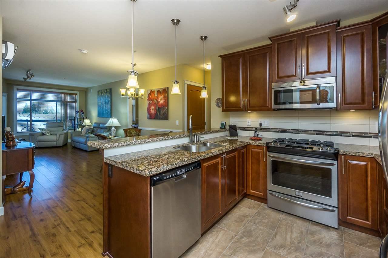 Condo Apartment at 523 8067 207TH STREET, Unit 523, Langley, British Columbia. Image 4
