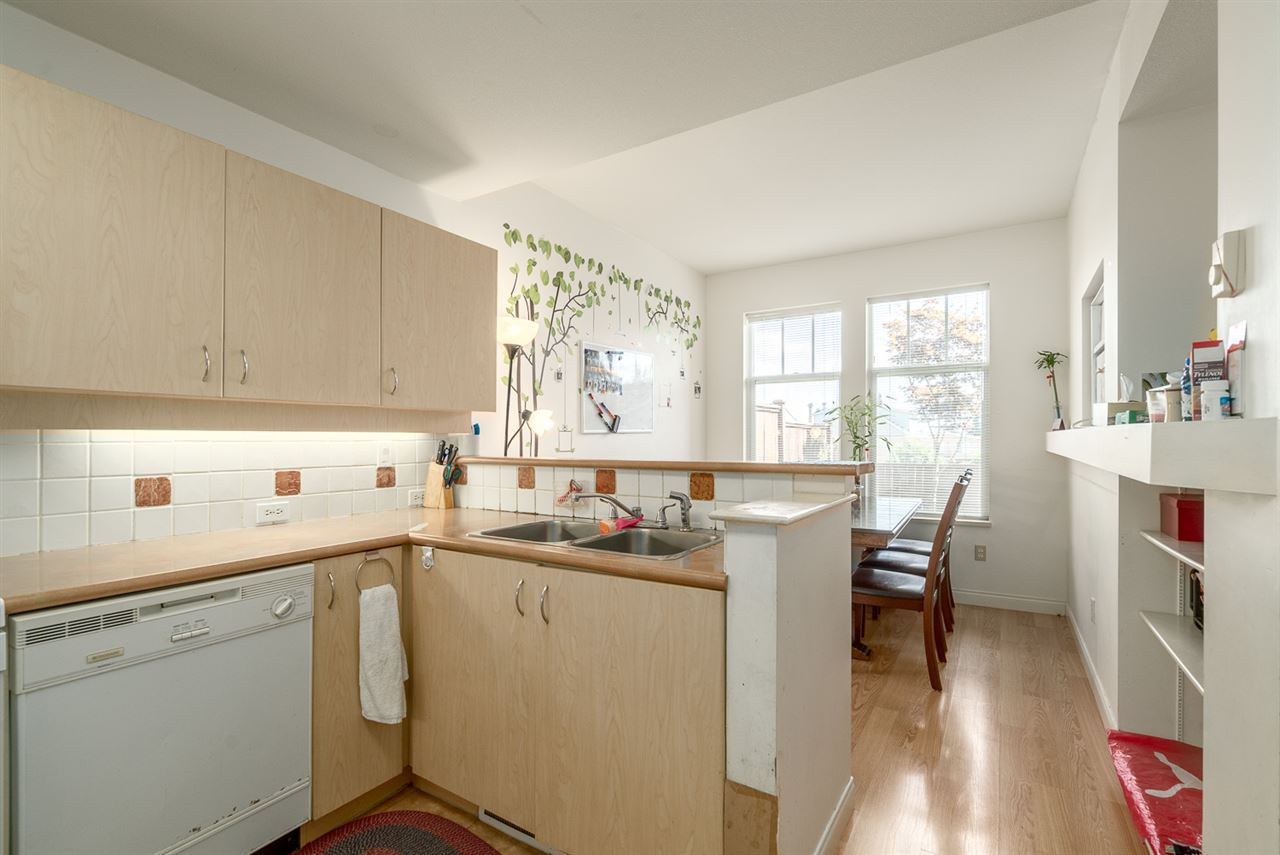 Townhouse at 25 7238 18TH AVENUE, Unit 25, Burnaby East, British Columbia. Image 3