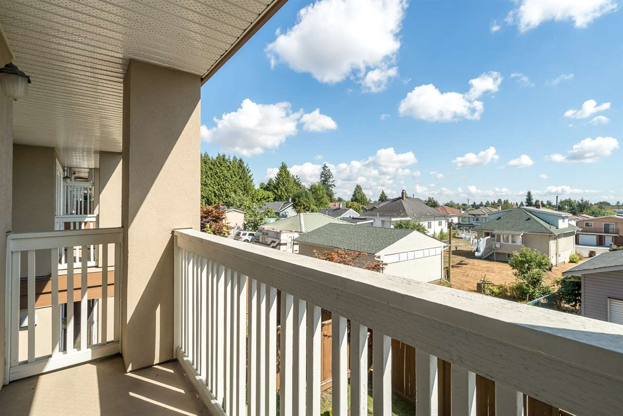 Townhouse at 25 7238 18TH AVENUE, Unit 25, Burnaby East, British Columbia. Image 13