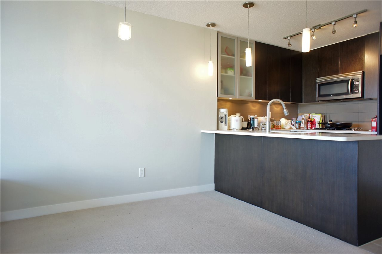 Condo Apartment at 1002 7325 ARCOLA STREET, Unit 1002, Burnaby South, British Columbia. Image 3