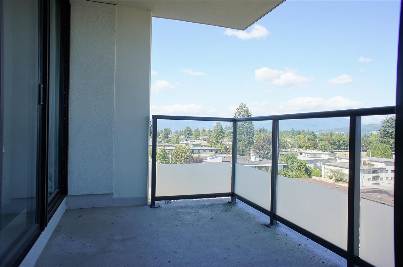 Condo Apartment at 1002 7325 ARCOLA STREET, Unit 1002, Burnaby South, British Columbia. Image 8