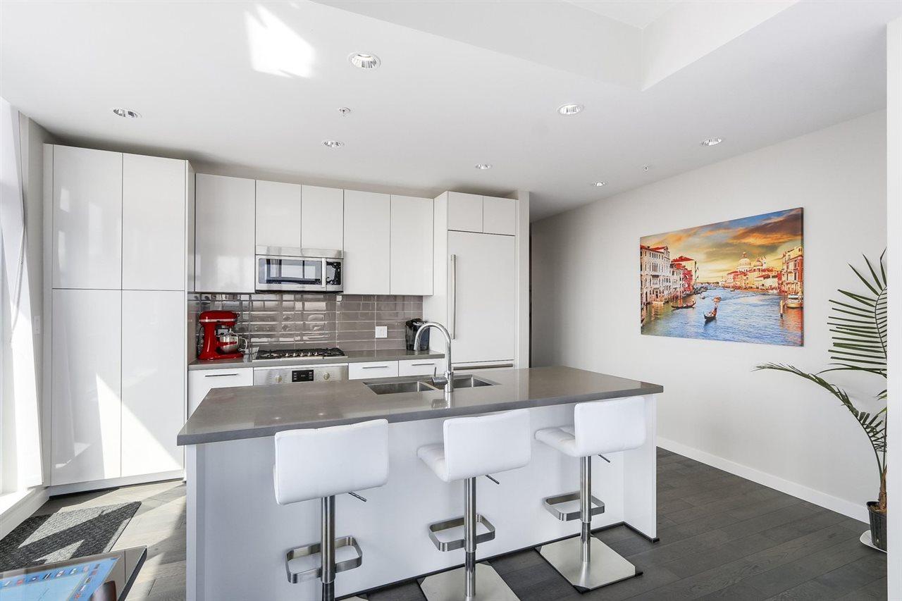 Condo Apartment at 2903 3093 WINDSOR GATE, Unit 2903, Coquitlam, British Columbia. Image 6