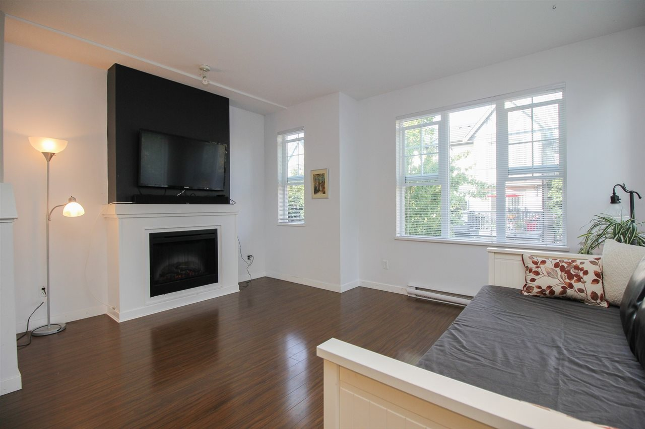 Townhouse at 10 8385 DELSOM WAY, Unit 10, N. Delta, British Columbia. Image 3