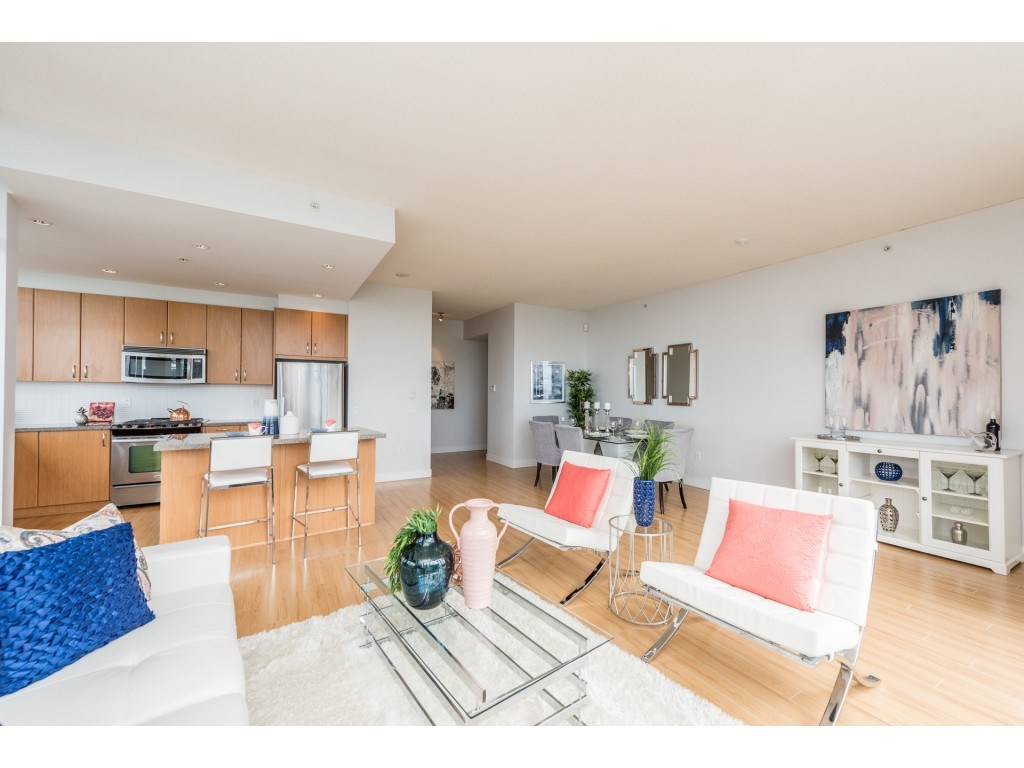 Condo Apartment at PH5 9188 UNIVERSITY CRESCENT, Unit PH5, Burnaby North, British Columbia. Image 6