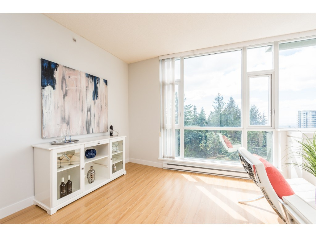 Condo Apartment at PH5 9188 UNIVERSITY CRESCENT, Unit PH5, Burnaby North, British Columbia. Image 11