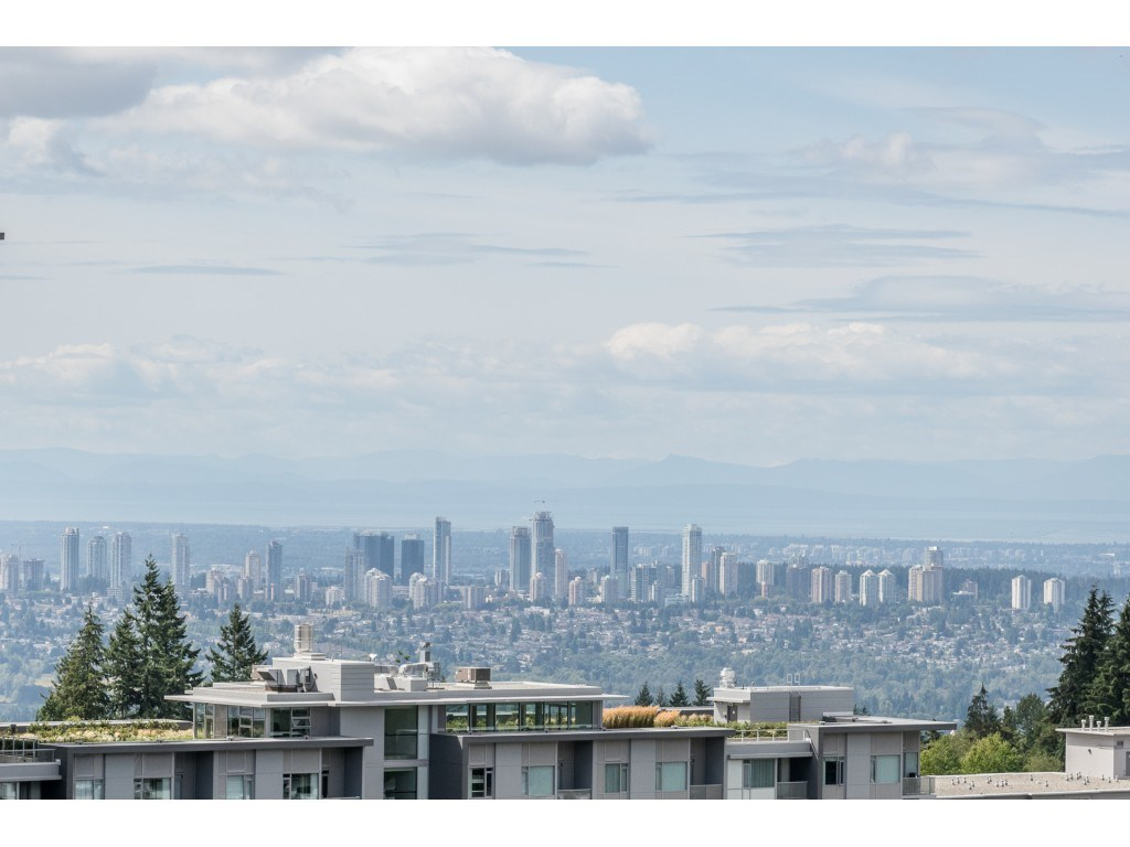 Condo Apartment at PH5 9188 UNIVERSITY CRESCENT, Unit PH5, Burnaby North, British Columbia. Image 20