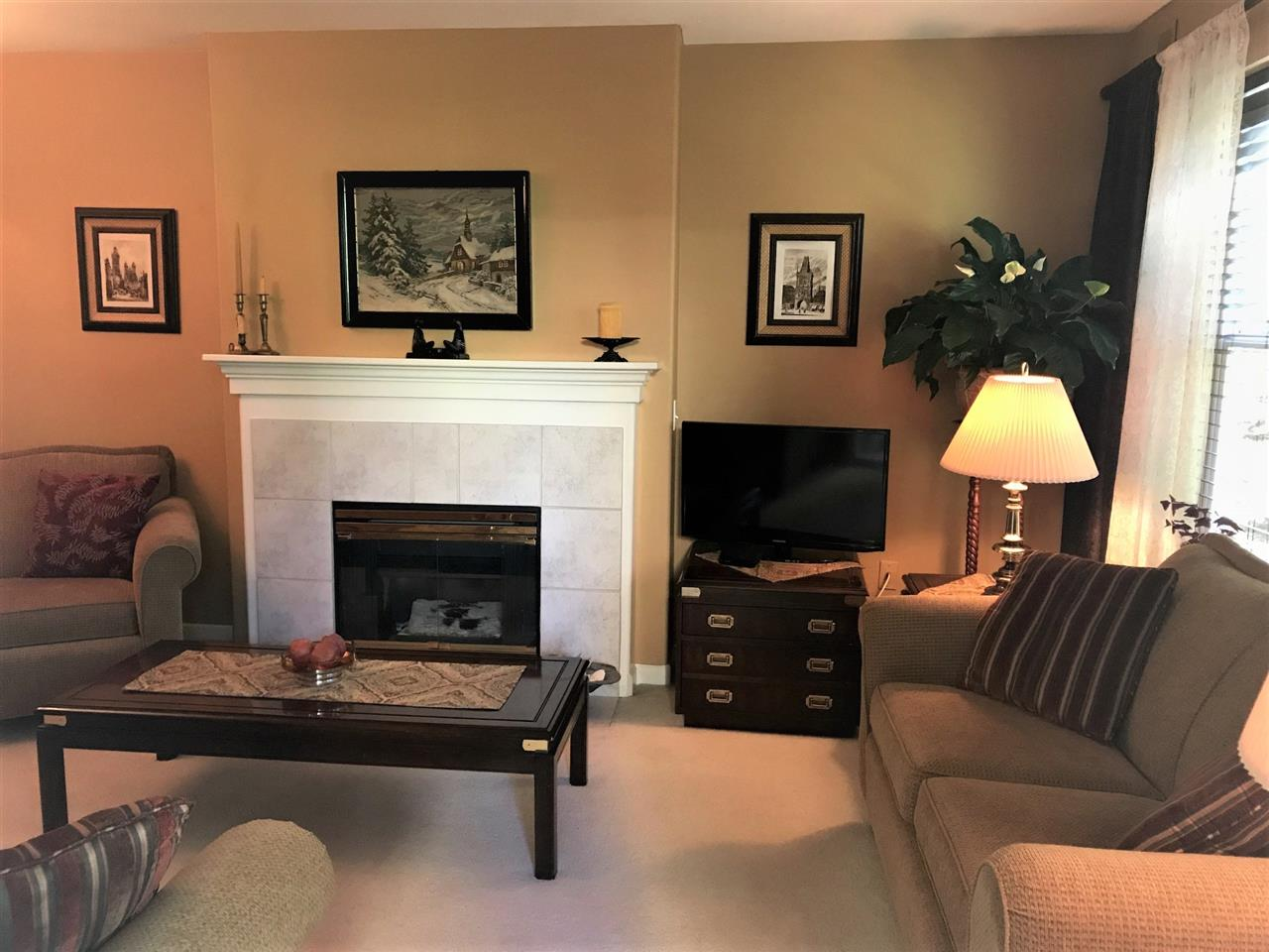 Condo Apartment at 208 5281 OAKMOUNT CRESCENT, Unit 208, Burnaby South, British Columbia. Image 3
