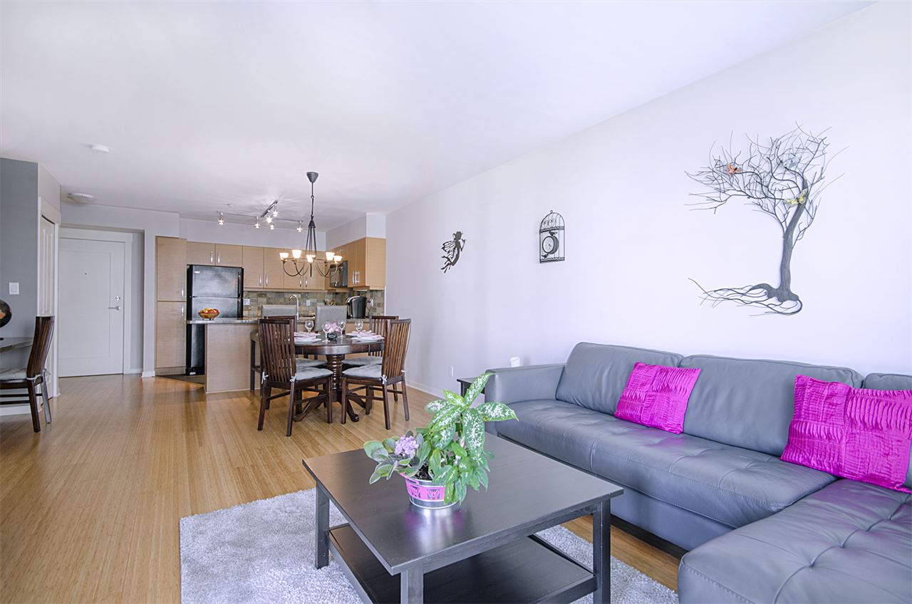 Condo Apartment at 302 1315 56 STREET, Unit 302, Tsawwassen, British Columbia. Image 2