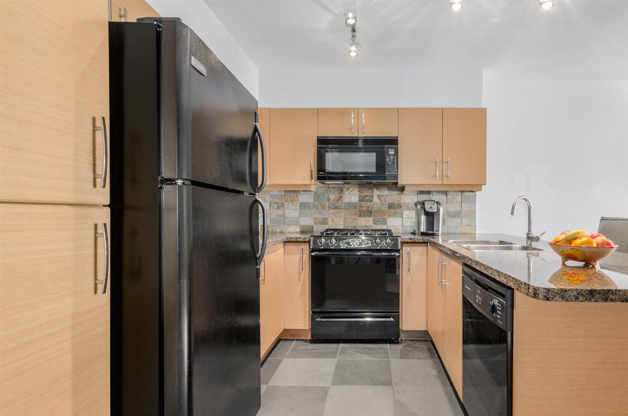 Condo Apartment at 302 1315 56 STREET, Unit 302, Tsawwassen, British Columbia. Image 8
