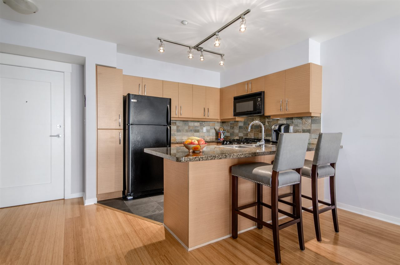 Condo Apartment at 302 1315 56 STREET, Unit 302, Tsawwassen, British Columbia. Image 10