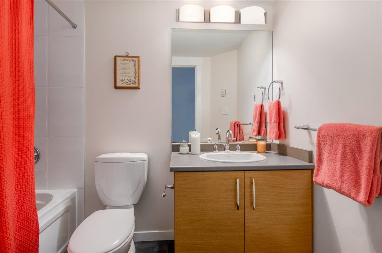 Condo Apartment at 302 1315 56 STREET, Unit 302, Tsawwassen, British Columbia. Image 17