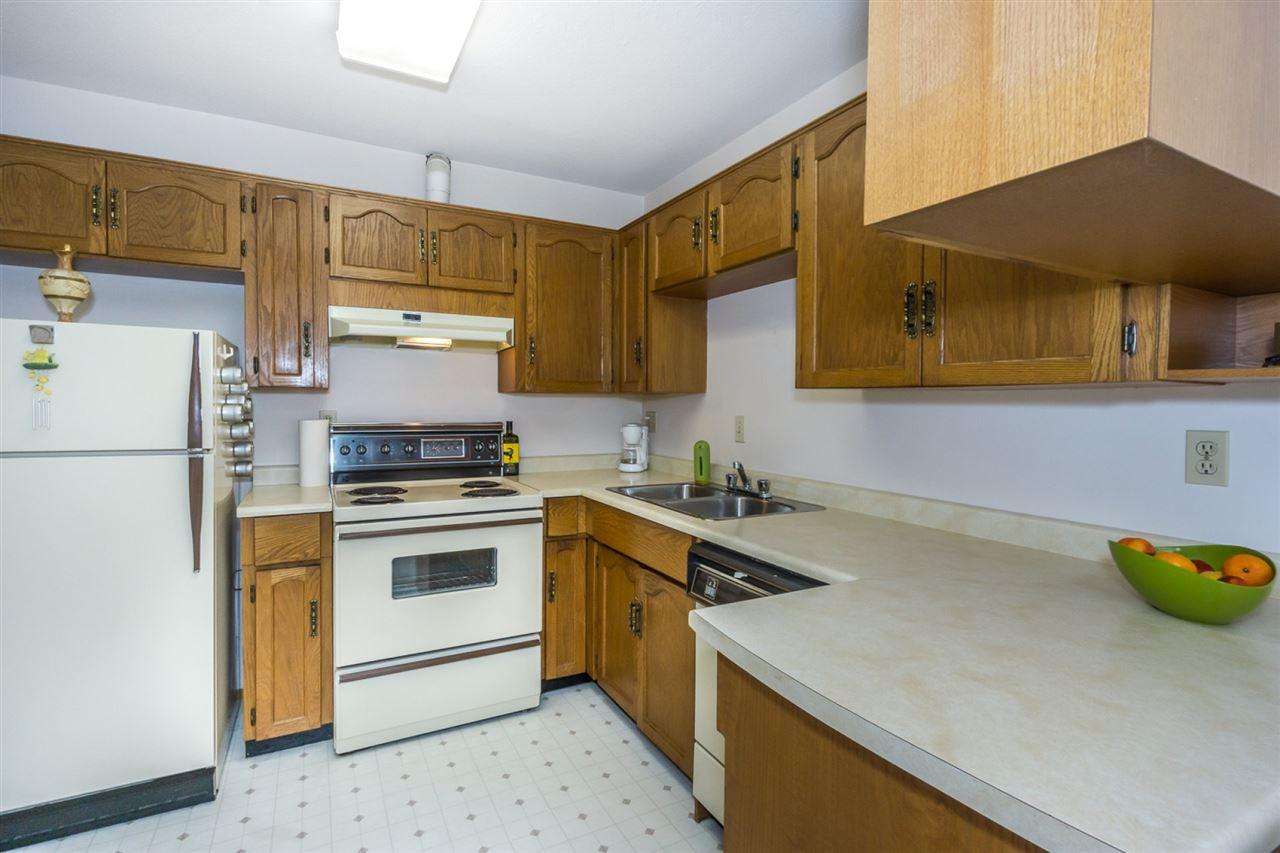 Condo Apartment at 305 2414 CHURCH STREET, Unit 305, Abbotsford, British Columbia. Image 8