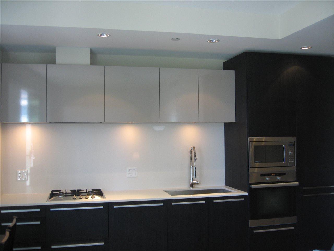 Condo Apartment at 904 1221 BIDWELL STREET, Unit 904, Vancouver West, British Columbia. Image 3