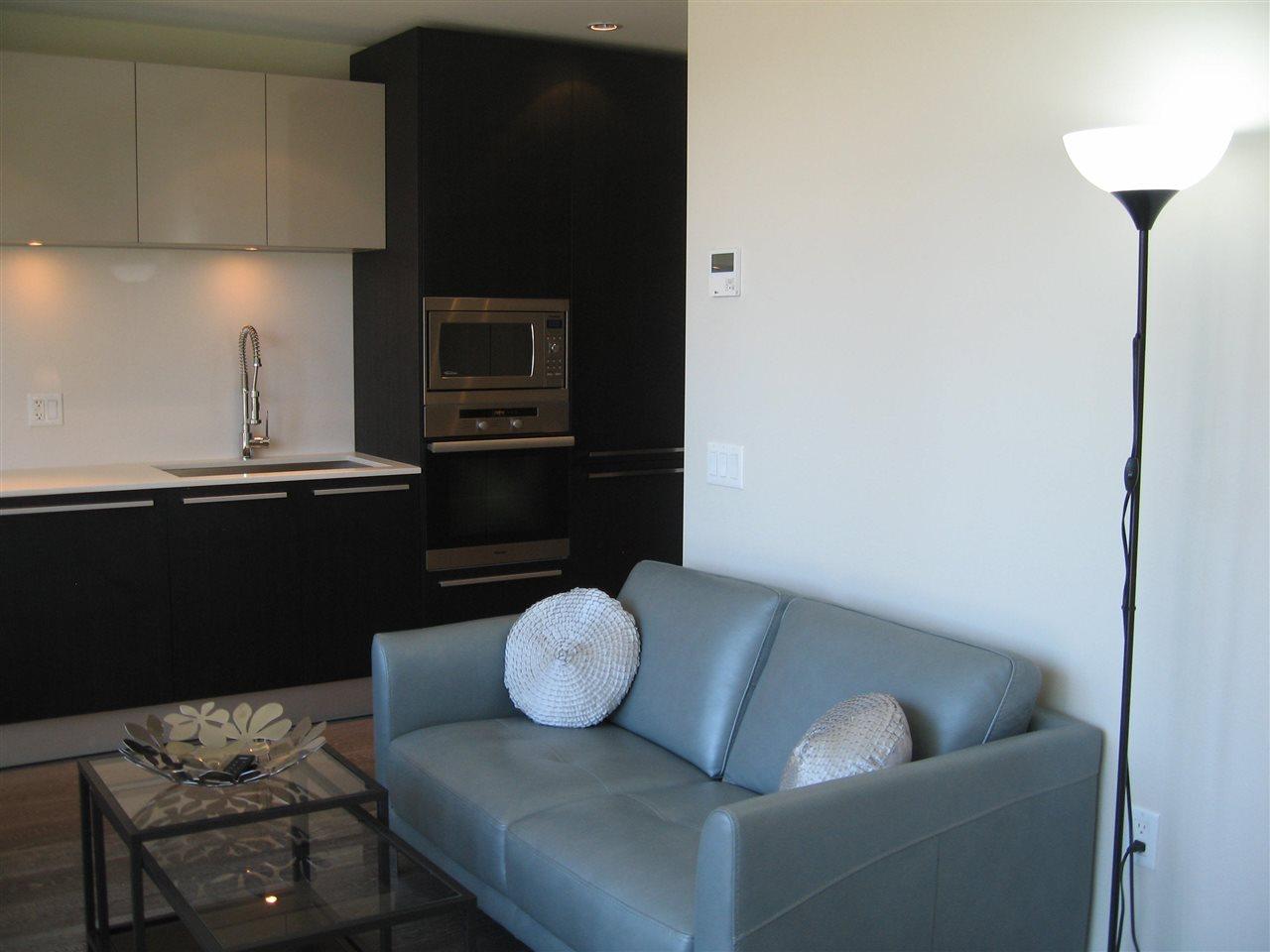 Condo Apartment at 904 1221 BIDWELL STREET, Unit 904, Vancouver West, British Columbia. Image 4