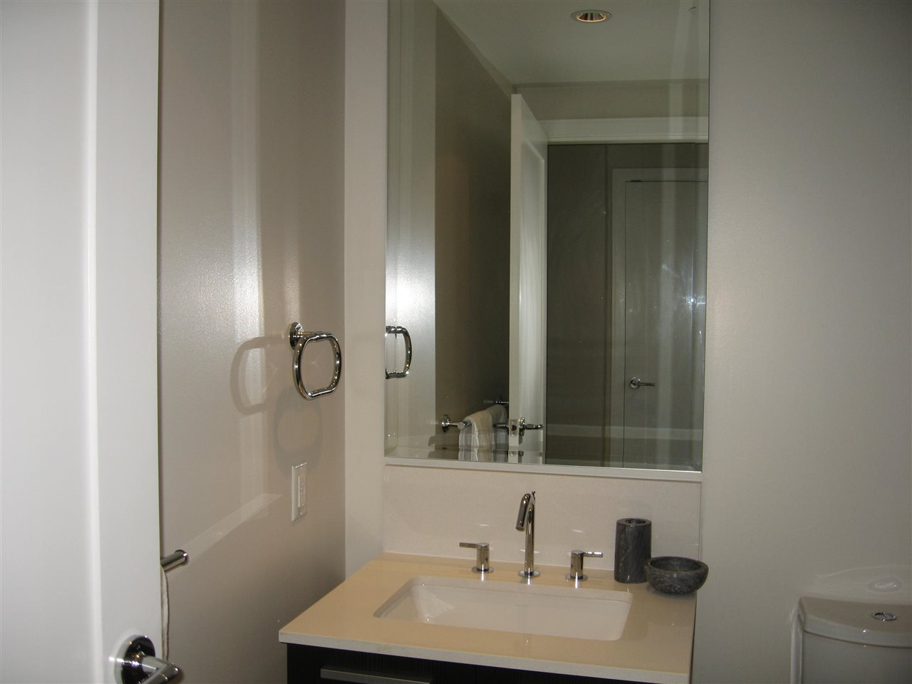 Condo Apartment at 904 1221 BIDWELL STREET, Unit 904, Vancouver West, British Columbia. Image 12
