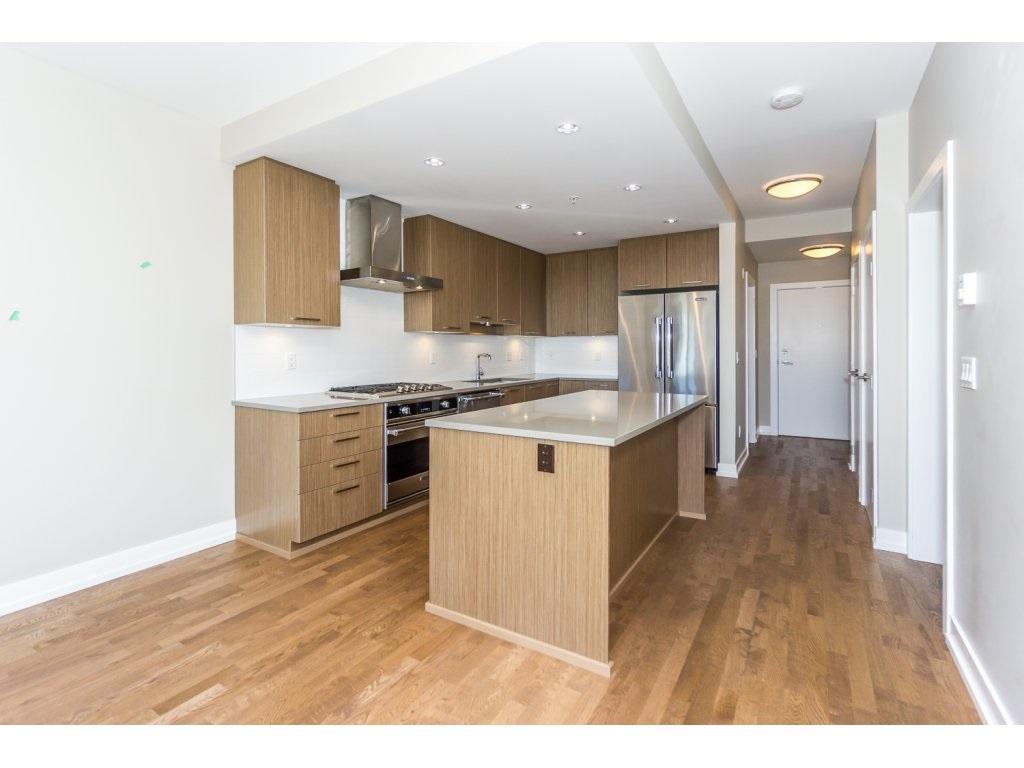 Condo Apartment at 307 1420 JOHNSTON ROAD, Unit 307, South Surrey White Rock, British Columbia. Image 4