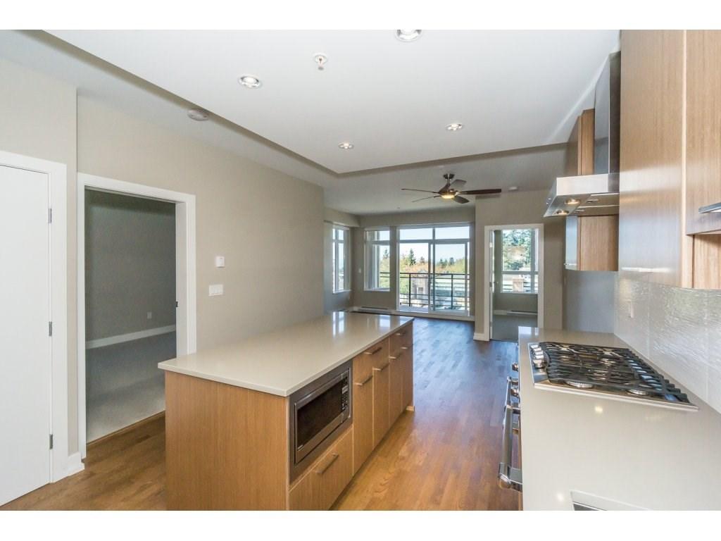 Condo Apartment at 307 1420 JOHNSTON ROAD, Unit 307, South Surrey White Rock, British Columbia. Image 8