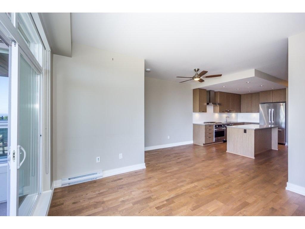 Condo Apartment at 307 1420 JOHNSTON ROAD, Unit 307, South Surrey White Rock, British Columbia. Image 12