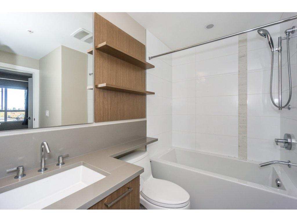 Condo Apartment at 307 1420 JOHNSTON ROAD, Unit 307, South Surrey White Rock, British Columbia. Image 15