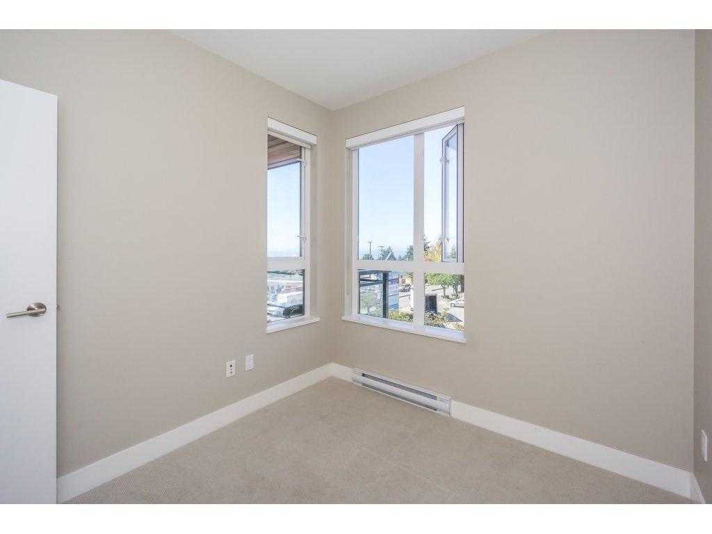 Condo Apartment at 307 1420 JOHNSTON ROAD, Unit 307, South Surrey White Rock, British Columbia. Image 16