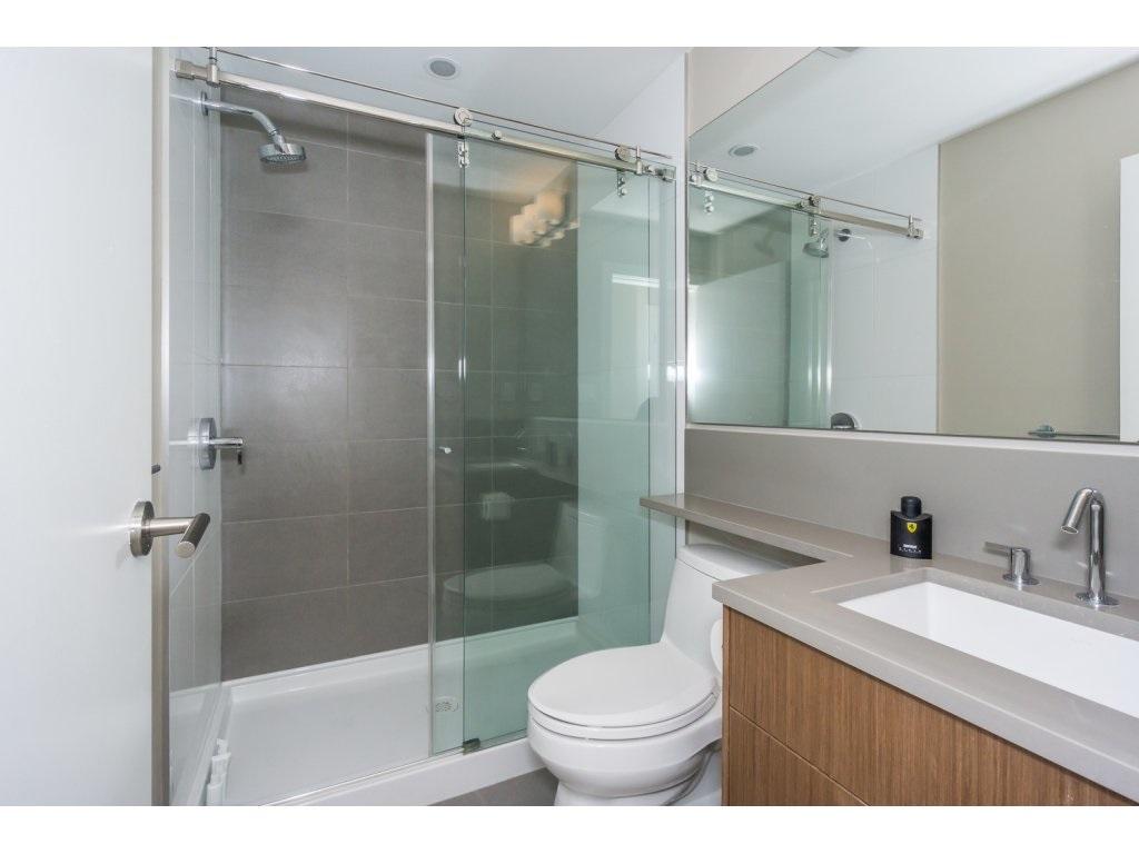 Condo Apartment at 307 1420 JOHNSTON ROAD, Unit 307, South Surrey White Rock, British Columbia. Image 17