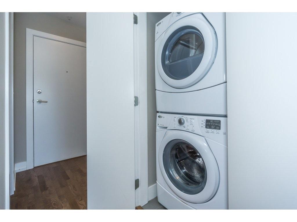 Condo Apartment at 307 1420 JOHNSTON ROAD, Unit 307, South Surrey White Rock, British Columbia. Image 18