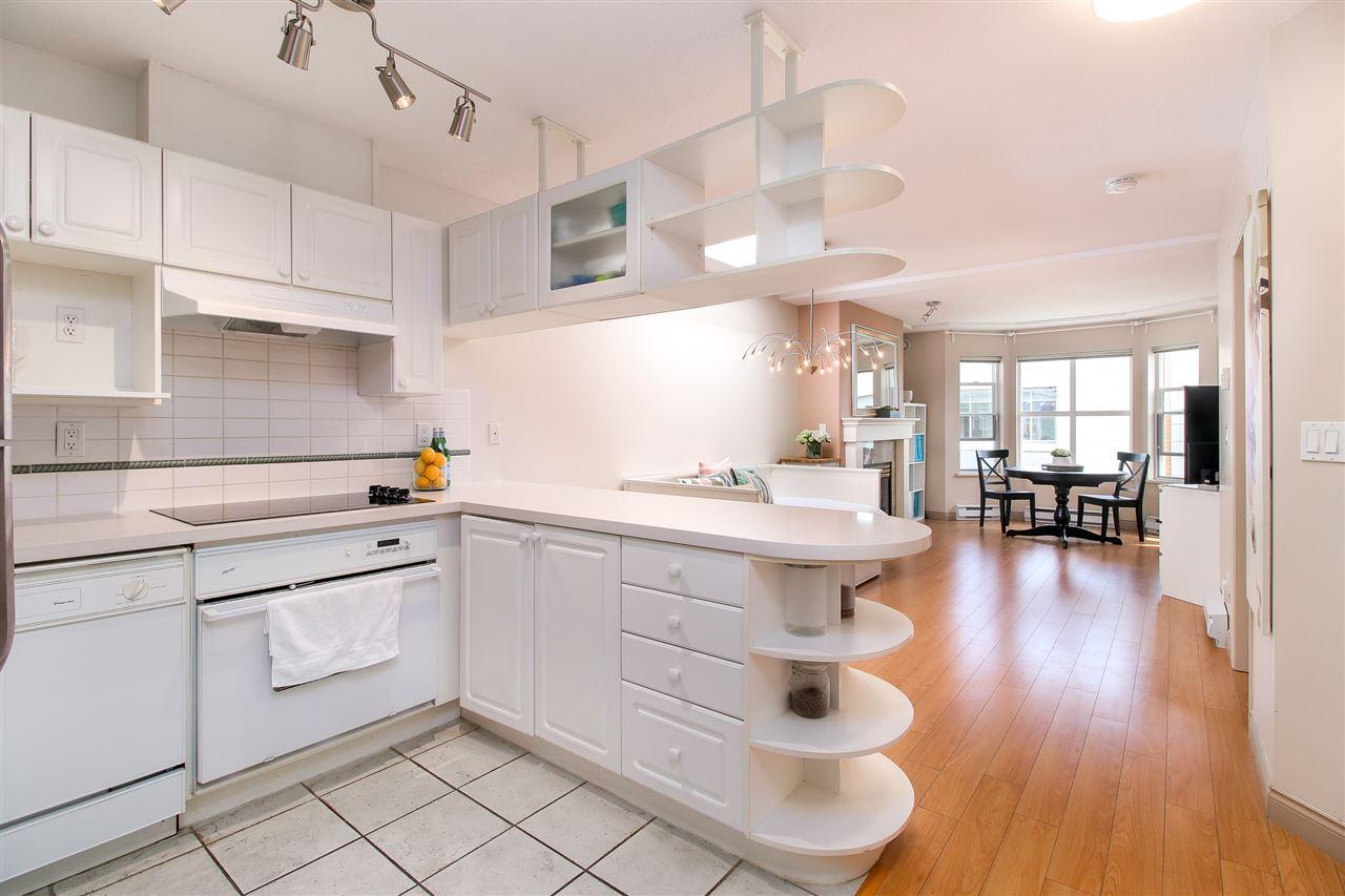 Condo Apartment at PH2 5723 BALSAM STREET, Unit PH2, Vancouver West, British Columbia. Image 2