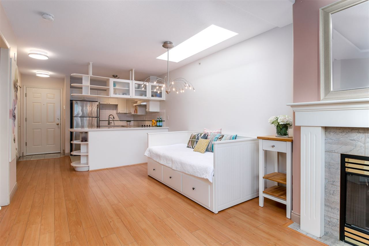 Condo Apartment at PH2 5723 BALSAM STREET, Unit PH2, Vancouver West, British Columbia. Image 9