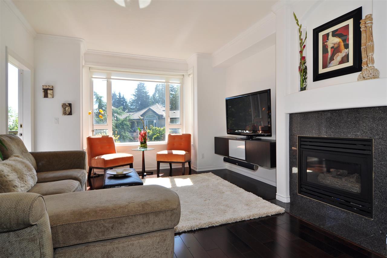 Condo Apartment at 318 3280 PLATEAU BOULEVARD, Unit 318, Coquitlam, British Columbia. Image 2