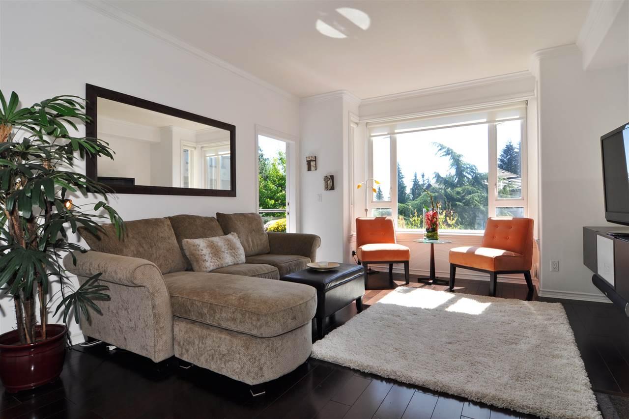 Condo Apartment at 318 3280 PLATEAU BOULEVARD, Unit 318, Coquitlam, British Columbia. Image 3
