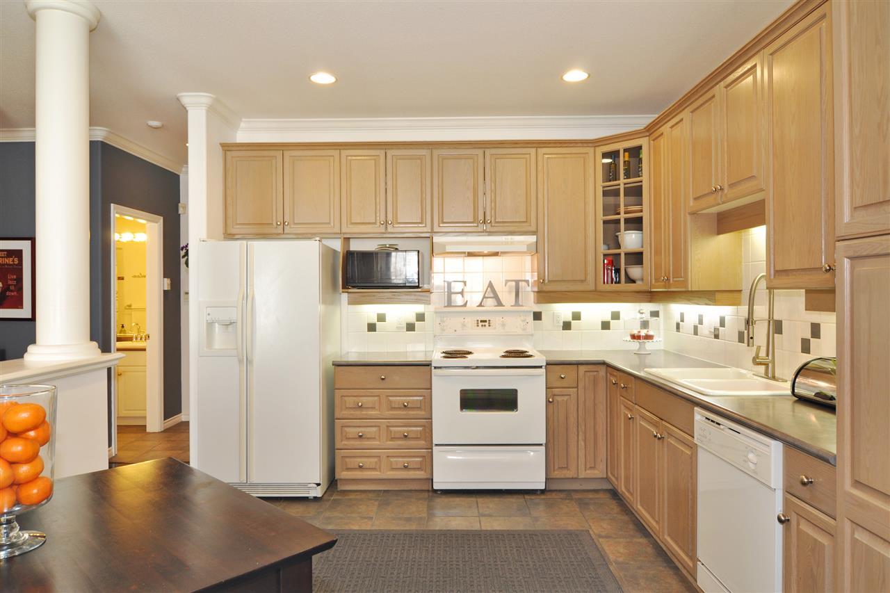 Condo Apartment at 318 3280 PLATEAU BOULEVARD, Unit 318, Coquitlam, British Columbia. Image 5