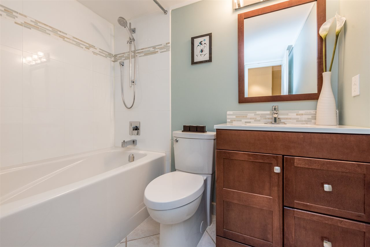 Condo Apartment at 103 969 JERVIS STREET, Unit 103, Vancouver West, British Columbia. Image 13
