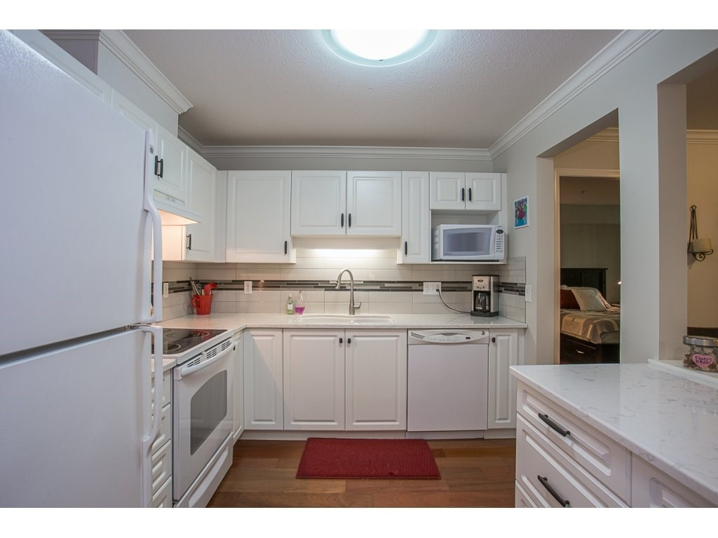 Condo Apartment at 303 22233 RIVER ROAD, Unit 303, Maple Ridge, British Columbia. Image 3