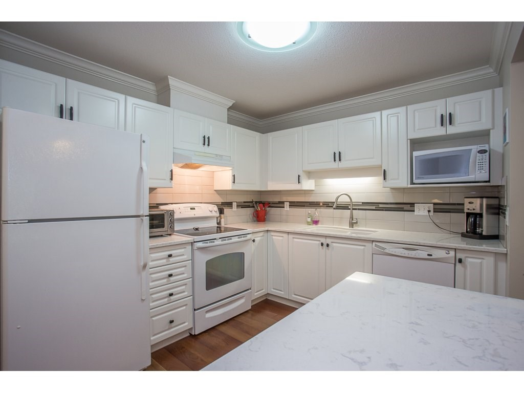 Condo Apartment at 303 22233 RIVER ROAD, Unit 303, Maple Ridge, British Columbia. Image 4