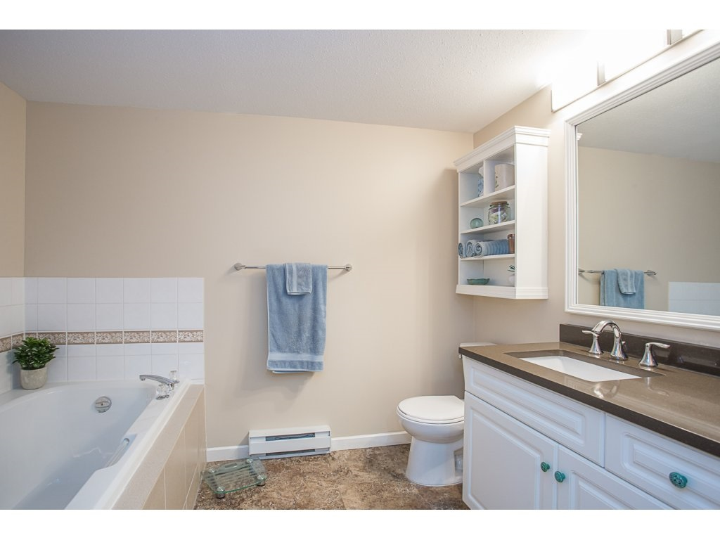 Condo Apartment at 303 22233 RIVER ROAD, Unit 303, Maple Ridge, British Columbia. Image 14