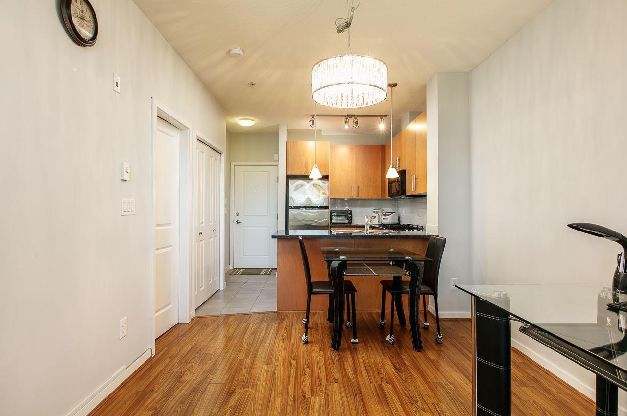 Condo Apartment at 305 3651 FOSTER AVENUE, Unit 305, Vancouver East, British Columbia. Image 3