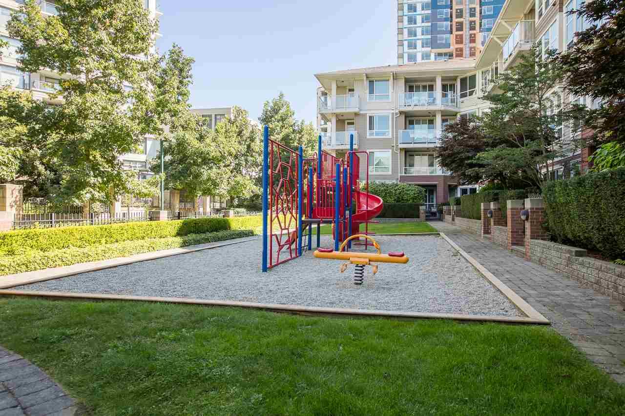 Condo Apartment at 305 3651 FOSTER AVENUE, Unit 305, Vancouver East, British Columbia. Image 9