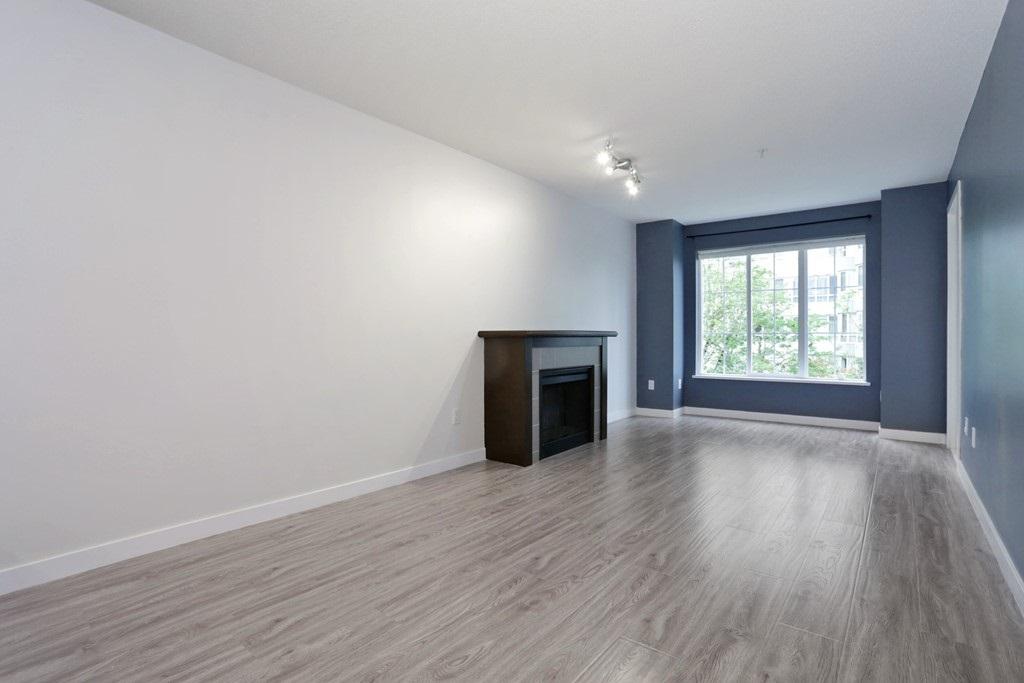 Condo Apartment at 313 14859 100 AVENUE, Unit 313, North Surrey, British Columbia. Image 2