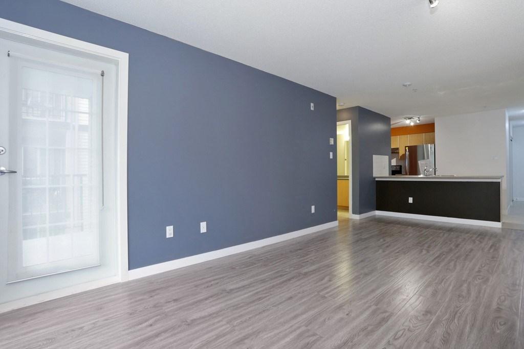 Condo Apartment at 313 14859 100 AVENUE, Unit 313, North Surrey, British Columbia. Image 3