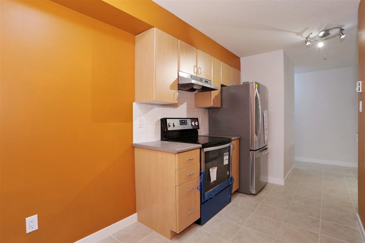 Condo Apartment at 313 14859 100 AVENUE, Unit 313, North Surrey, British Columbia. Image 6