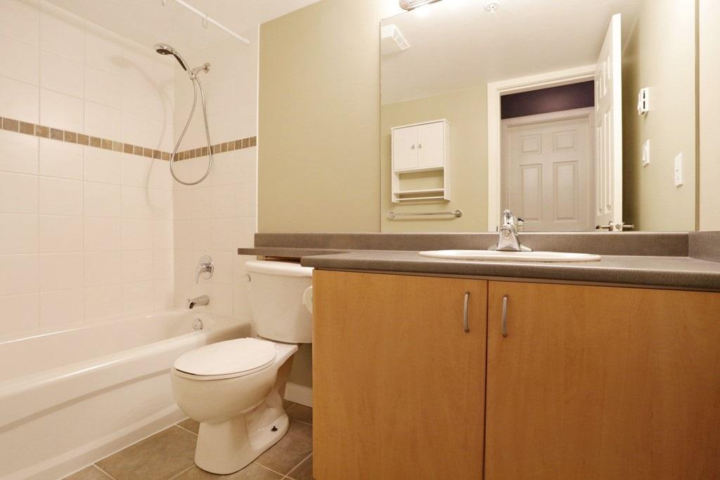 Condo Apartment at 313 14859 100 AVENUE, Unit 313, North Surrey, British Columbia. Image 9