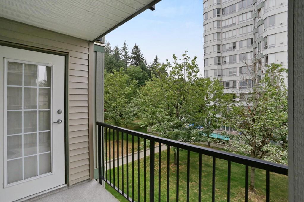 Condo Apartment at 313 14859 100 AVENUE, Unit 313, North Surrey, British Columbia. Image 13