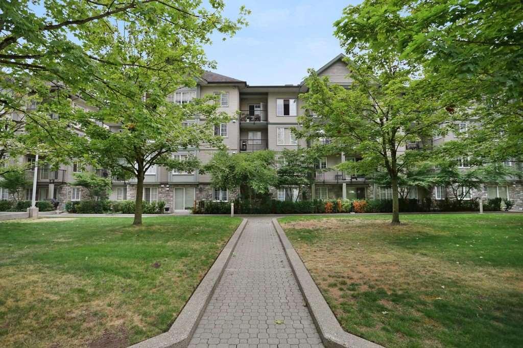 Condo Apartment at 313 14859 100 AVENUE, Unit 313, North Surrey, British Columbia. Image 14