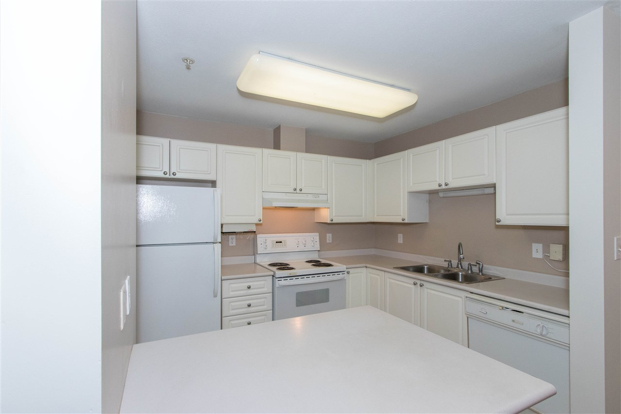 Condo Apartment at 402 1128 SIXTH AVENUE, Unit 402, New Westminster, British Columbia. Image 4