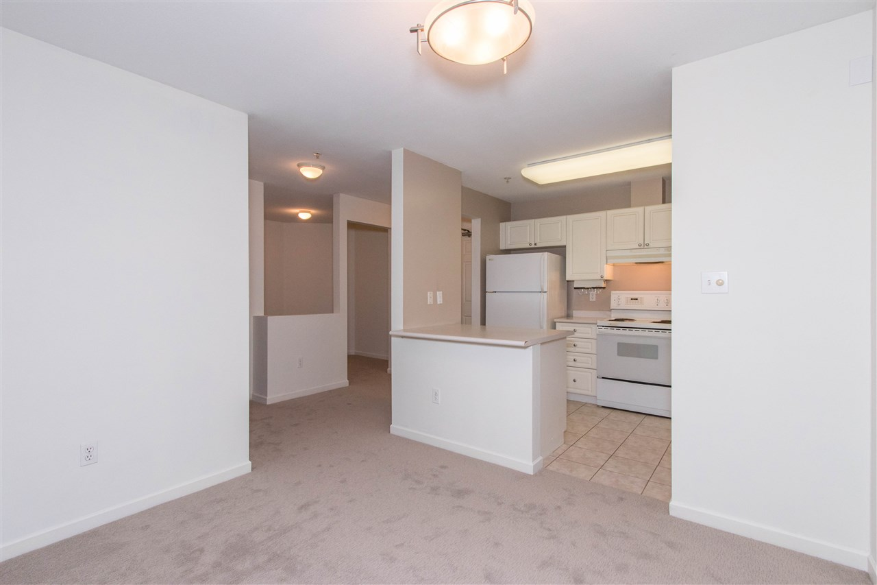 Condo Apartment at 402 1128 SIXTH AVENUE, Unit 402, New Westminster, British Columbia. Image 6